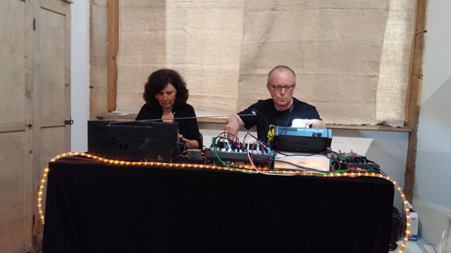 Les musiciens électroniques Berlinois Anita Strasser et Lu Laumer